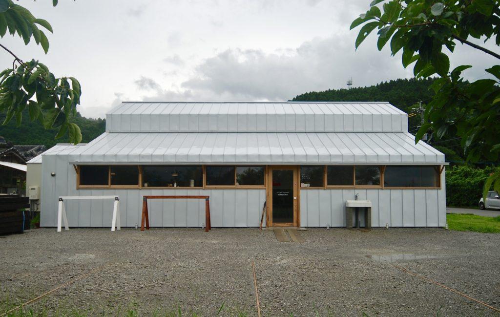カフェ 馬 小屋